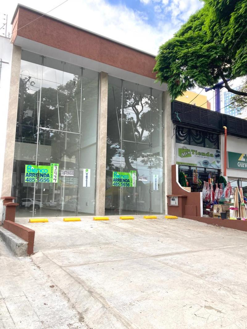 Local en Urbanización Tequendama