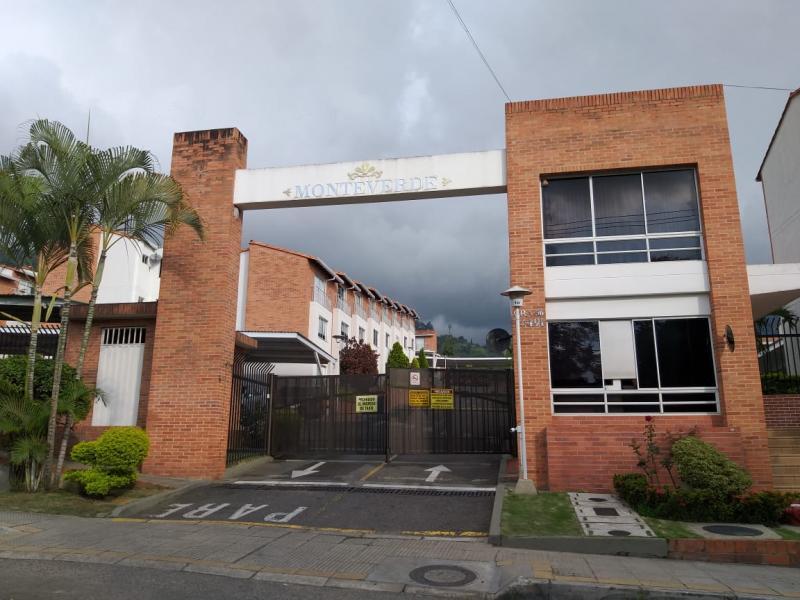 Casa en Altos Del Cacique